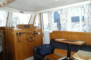 39' Mainship Trawler - Before